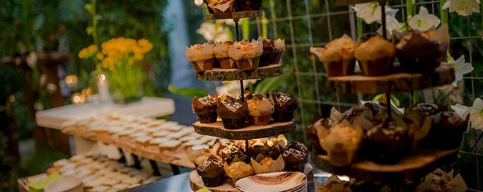 indoor-catering-dessert