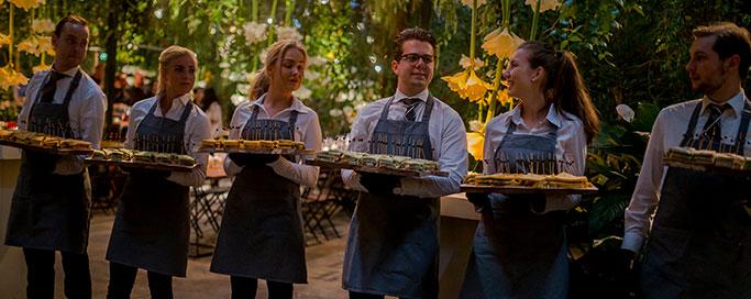 indoor-en-spit-catering-team
